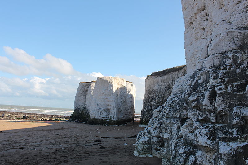 botany-bay-cliffs-beach-broadstairs-sarah-blinco-travellivelearn