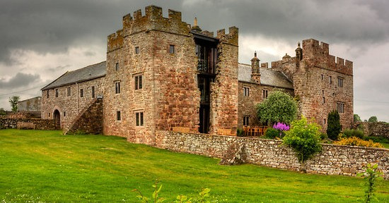 Blencowe Hall in Cumbria and Blinco history