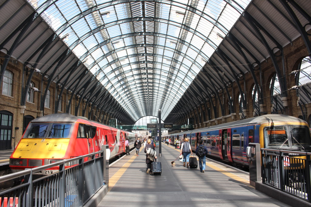 7 awesome reasons to travel on the train from London to Edinburgh