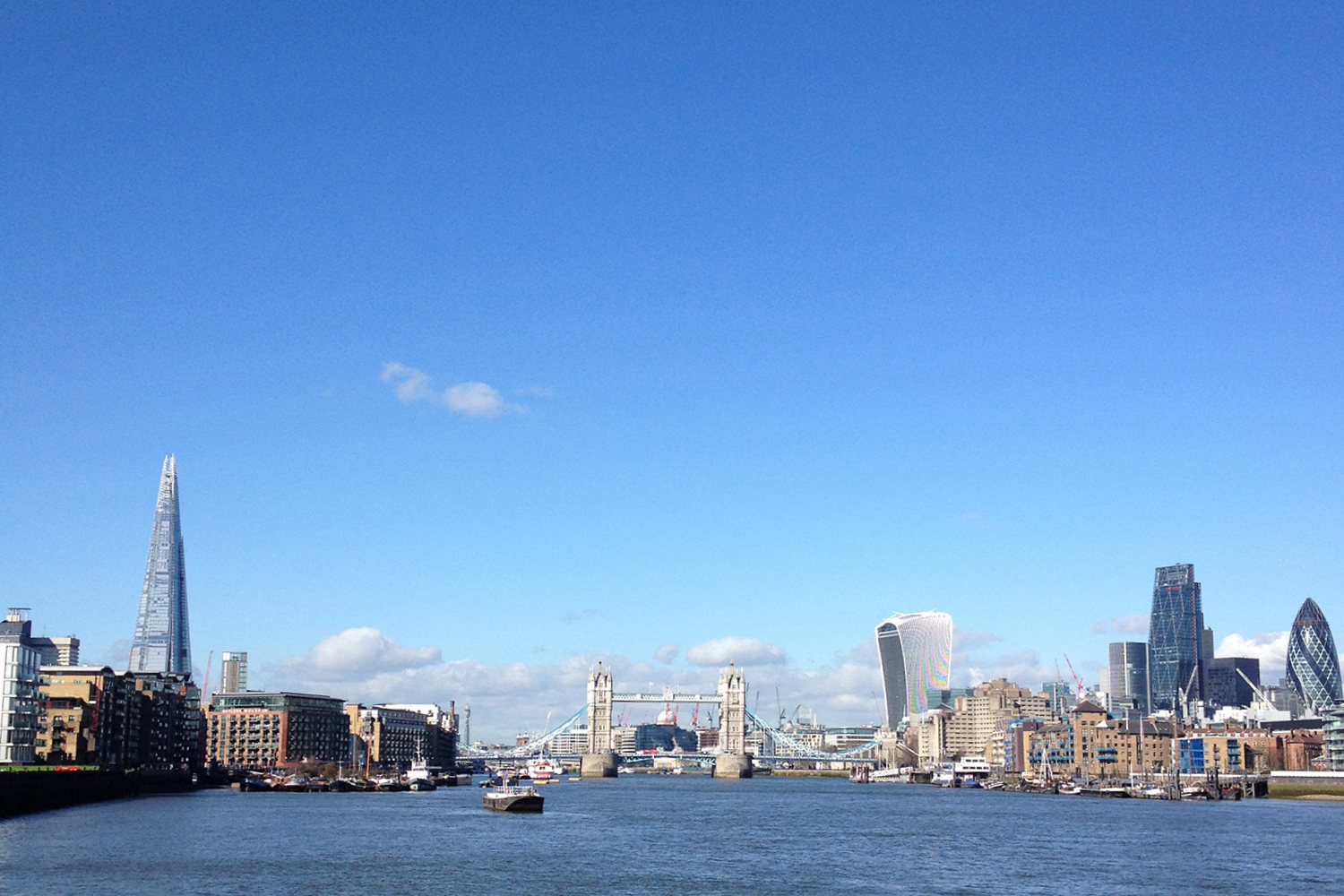 Thames walk London city view cityscape1 travellivelearn