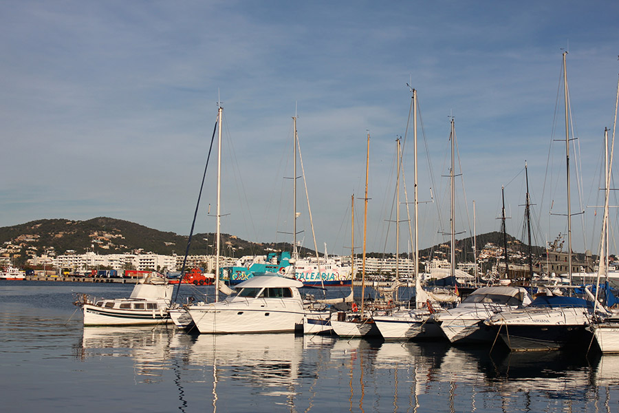 marina-ibiza in winter -travellivelearn-sarah-blinco