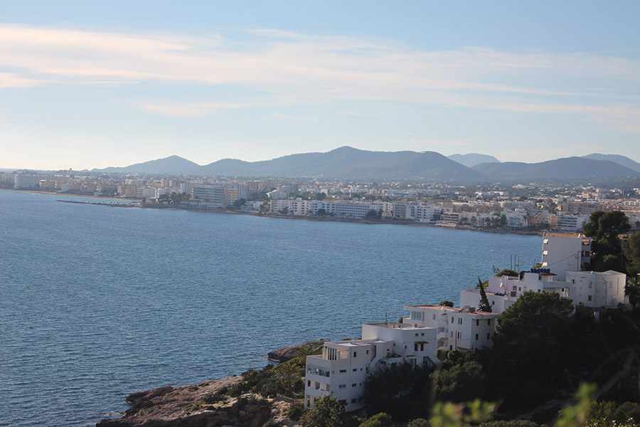 Average weather in Ibiza - sunny in winter, book your trip now