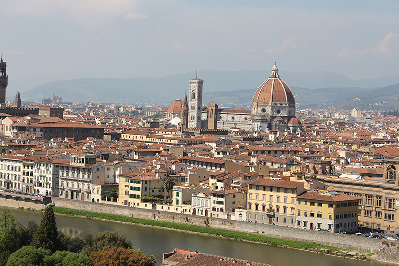 To Tuscany apartments are not very far from Florence