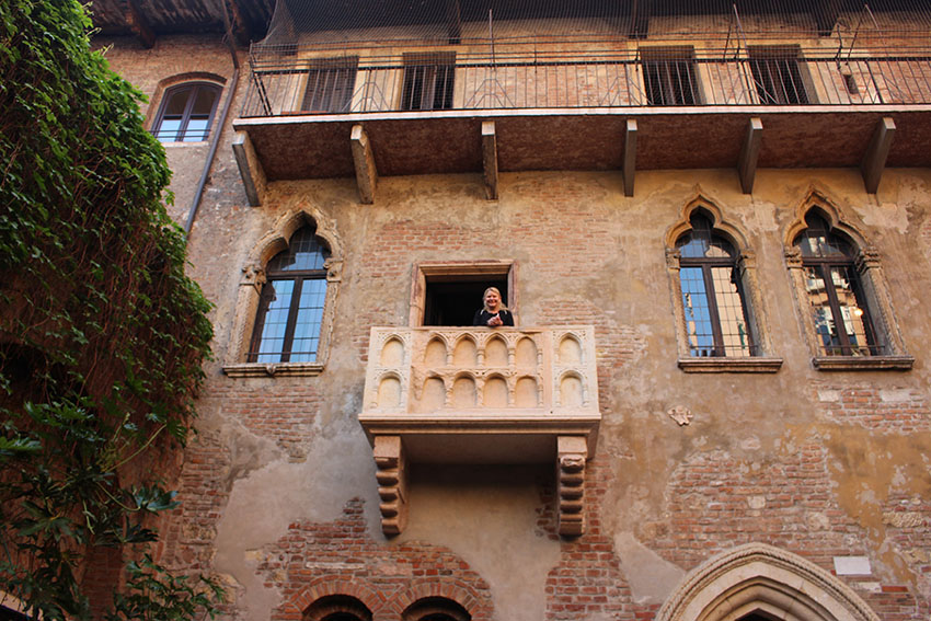 Juliet's balcony Verona - the setting for Romeo and Juliet in Italy